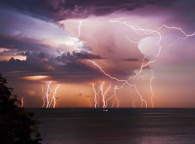 Lightning over Lake Maracaibo, Venezuela