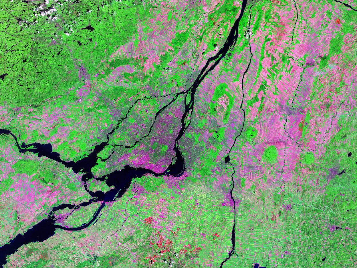 Montreal Canada satellite image map