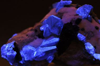 benitoite crystals showing fluorescence
