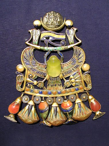 Libyan Desert Glass in Tutankhamun's necklace