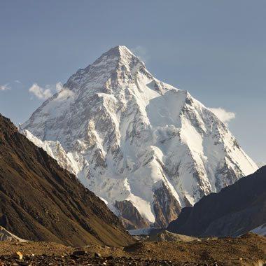 K2 Granite: A white granite with azurite - AKA K2 Jasper