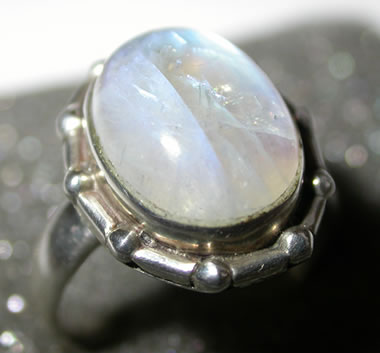 cleavage of moonstone