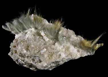 Fibrous actinolite