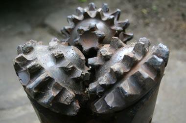 diamond oil well drill bit