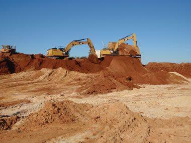Mining heavy mineral sand