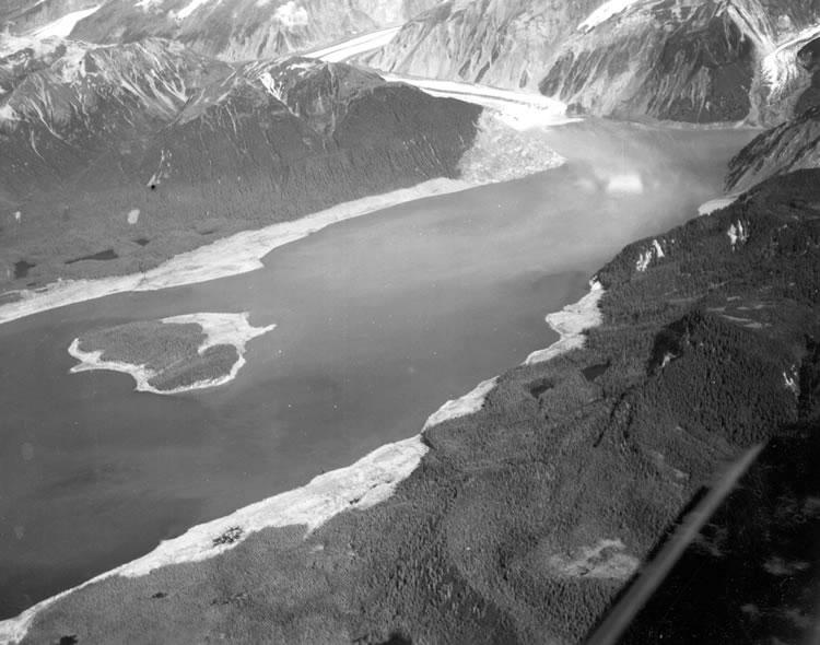 Gilbert Inlet, rockfall slope, wave damage