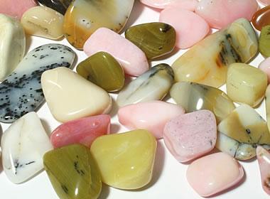 Tumbled opal