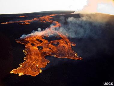 Lava flow at Mauna Loa