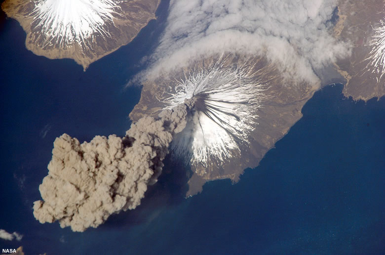 Mount Cleveland Active Volcano In Alaskas Aleutian Islands - Map active volcanos in us
