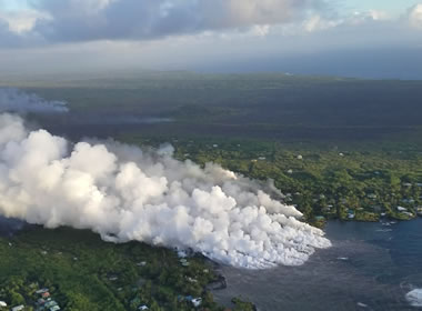 Lava Hits Kapoho Bay