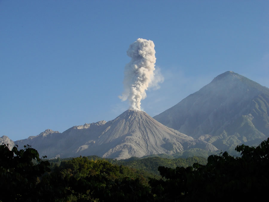 Santa Maria Volcano Guatemala Map Facts and Pictures